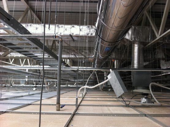 Montaż kominów w fabryce NGK