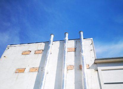 Dostawa i montaż kominów do wentylacji zbiornika wody w Stacji Uzdatniania Wody w Koninie